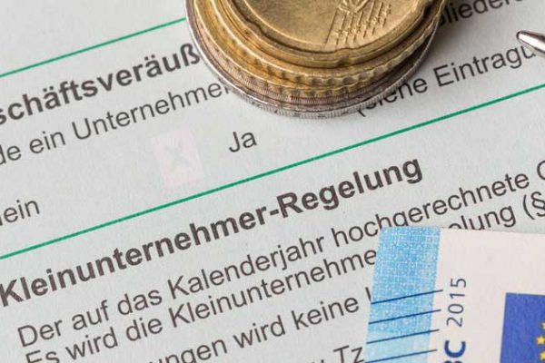 Umsatzsteuerliche Kleinunternehmerregelung auch bei fehlendem Umsatz im Gründungsjahr anzuwenden